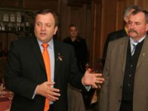 Senatorul Flutur şi Gheorghe Niţă, candidatul PDL la Primăria Gura Humorului