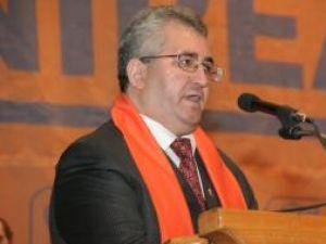 """Ion Lungu la prima sa conferinţă de presă organizată """"acasă"""" la PD-L"""