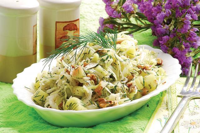 Salată de varză şi rubarbăr
