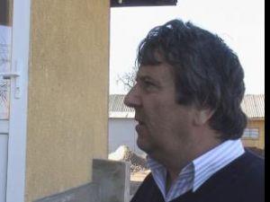 Primarul Vasile Cepoi crede că spărgătorii au avut complici între subordonaţii săi