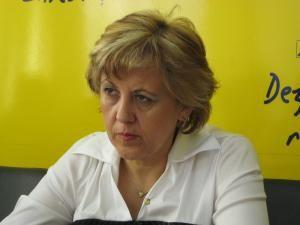 """Angela Zarojanu: """"Oamenii sunt nemulţumiţi şi s-au săturat de cârpeli"""""""