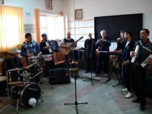 Cinci dintre deţinuţii muzicanţi sunt din Suceava