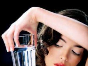 Un consum prea mare de apă poate strica echilibrul sărurilor din organism