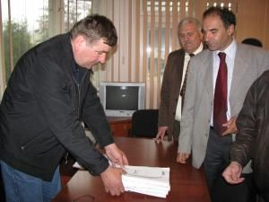 Organizaţia municipală PSD Câmpulung Moldovenesc a depus ieri oficial listele de candidaţi pentru alegerile locale