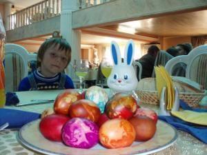Umanitar: PSD face eforturi pentru ca familiile nevoiaşe să aibă ce pune pe masă de Paşti