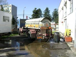 Cisternă specială în care este preluat amoniacul din rezervorul Uzinei de frig