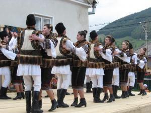 """Pojorâta: Festivalul """"Comori de suflet românesc"""", ediţia a V-a"""