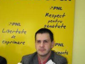 """Contraatac: PNL foloseşte usturoiul împotriva """"vrăjelilor electorale ale PD-L"""""""