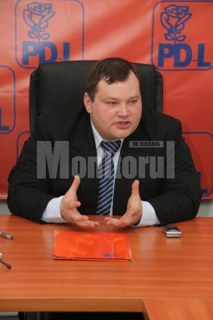 """Marius Vatavu: """"Conducerea CJ să ne răspundă câte din aceste proiecte s-au realizat şi în ce proporţie"""""""