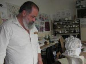 Profesorul Nicolae Moroşan, prezentând lucrările şi proiectele elevilor săi