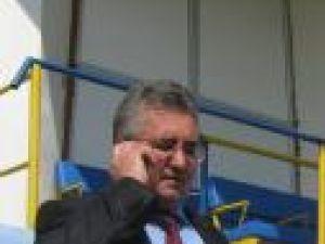 Primarul Ion Lungu promite că nu va lăsa fotbalul de izbelişte