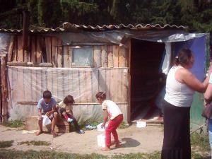 Copilărie într-un bordei din scânduri