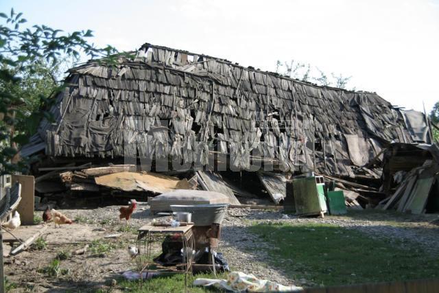 Sprijin: Consiliul Judeţean alocă 500 de milioane de lei vechi pentru fiecare casă distrusă de inundaţii