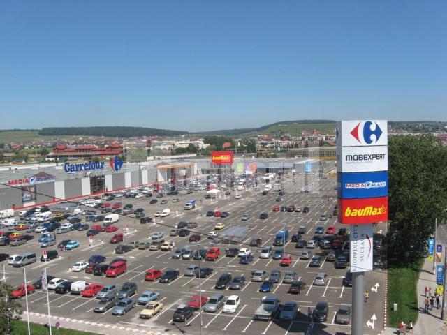 Parcarea de la Shopping City , aglomerată chiar de la primele ore ale zilei