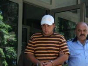 Emanuel Puşcaşu a fost încarcerat în arestul poliţiei