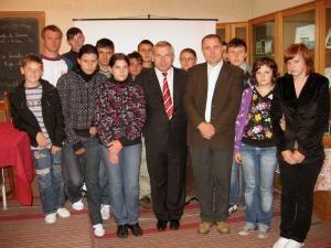 Dumitru Morhan a promis sprijin pentru cei 25 de elevi de la grupele de ucraineană