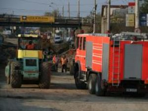 Pompierii de la Detaşamentul Suceava au izolat zona până ce alimentarea cu gaz a fost întreruptă