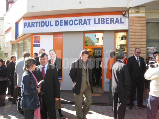 Inaugurare: PD-L, primul partid care inagurează un sediu în cartierul Burdujeni