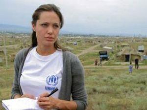 Angelina Jolie susţine cauza refugiaţilor afgani
