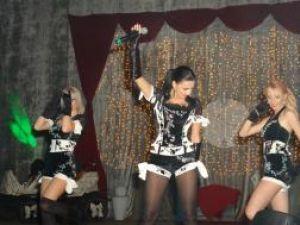 Lavinia şi dansatoarele