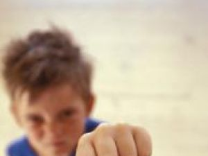 Copiii care au acces la jocuri video violente devin agresivi. Foto: PIXLAND