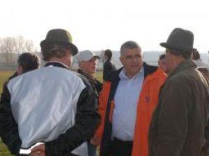 Dumitru Mihalescul s-a întâlnit cu peste o mie de cetăţeni, angajaţi la marii producătorii de încălţăminte din zona Vicov
