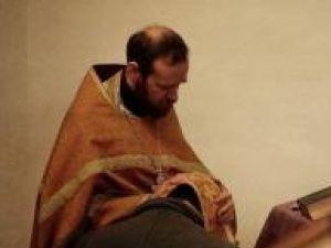 Cele spuse la Spovedanie le ştie doar Hristos şi preotul. Foto: CORBIS