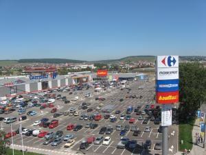 Numai în privinţa mall-urilor, în Suceava există două prezenţe notabile, ambele inaugurate în 2008