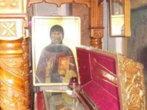 Din anul 1490 până astăzi, sfintele moaşte se află nestrămutate de la Mănăstirea Bistriţa