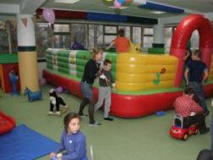 """Umanitar: Momente de relaxare pentru copiii cu nevoi speciale, cu sprijinul """"Arlechino"""""""