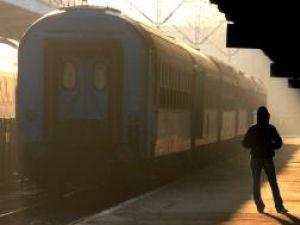 Ministrul Transporturilor va semna astăzi ordinele pentru autorizarea şi verificarea periodică a personalului din calea ferată. Foto: MEDIAFAX