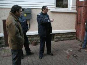 Hreniuc (stânga) şi Aelenei (dreapta) au fost ţinuţi în frâu de poliţişti