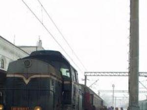 600 de călători afectaţi, după ce linia ferată a fost blocată de căderi de arbori