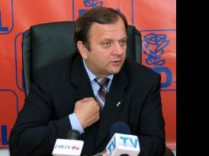 Estimare: Flutur a crescut la opt numărul parlamentarilor pe care îi vrea PD-L la Suceava