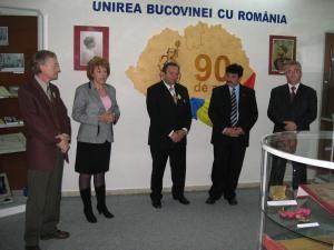 """Deschiderea expoziţiei intitulată """"90 de ani de la Unirea Bucovinei cu România""""."""