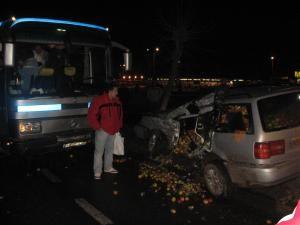 Şoferul autoturismului a fost salvat de faptul că maşina sa era cu volan pe dreapta