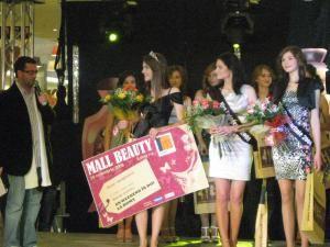 Câştigătoarele concursului de frumuseţe Iulius Mall