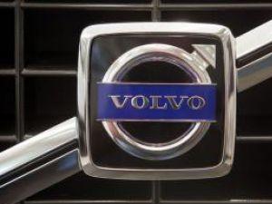 Ford vinde Volvo pentru 6 miliarde de dolari