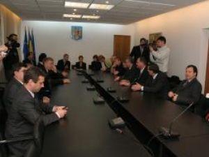 Armonie şi înţelegere, la înmânarea certificatelor doveditoare de alegere în funcţiile de deputat şi senator de Suceava