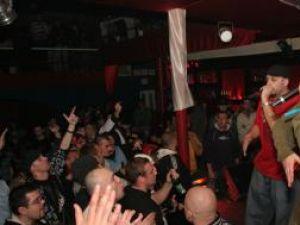 """Eveniment muzical: """"Paraziţii"""", în Clubul Teacher Line, din Salcea"""