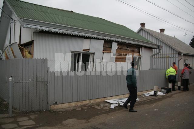 Explozia a afectat grav structura de rezistenţă a casei