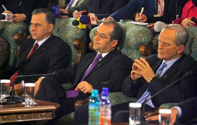 Liderii PDL şi PSD au discutat despre crearea unei majorităţi parlamentare şi formarea noului guvern. Foto: MEDIAFAX