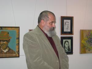 http://media.monitorulsv.ro/poze/2008/12/11/116965mare.jpg