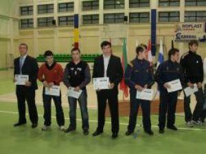 O parte dintre sportivii premiaţi ieri în cadrul ceremoniei organizată în sala LPS