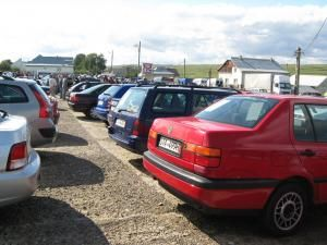 Sucevenii care şi-au cumpărat maşini second fără a reuşi să le înmatriculeze stau acum în aşteptare