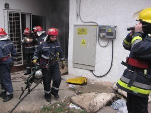 Pompierii au lichidat incendiul fără probleme
