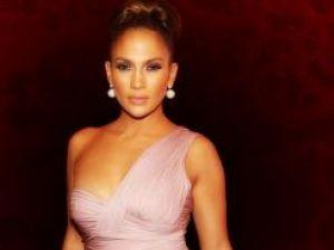 Mariajul lui Jennifer Lopez, în pericol din cauza soţului care o controlează excesiv