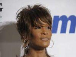 Whitney Houston, dată în judecată de mama ei vitregă pentru o asigurare de 1 milion de dolari