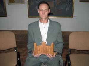 Nicolaie Gheorghian cu un triptic miniatural