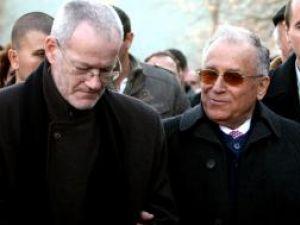 Fostul preşedinte Ion Iliescu a fost primit cu ostilitate la comemorarea eroilor Revoluţiei. Foto: MEDIAFAX